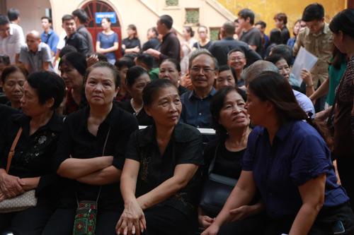 Vợ con khóc lặng trong lễ viếng nghệ sĩ Hán Văn Tình - 28