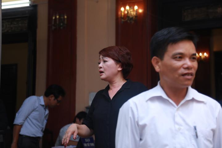 Vợ con khóc lặng trong lễ viếng nghệ sĩ Hán Văn Tình - 30