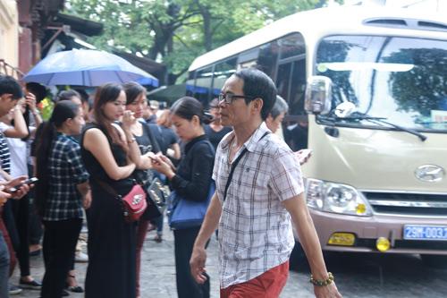 Vợ con khóc lặng trong lễ viếng nghệ sĩ Hán Văn Tình - 27