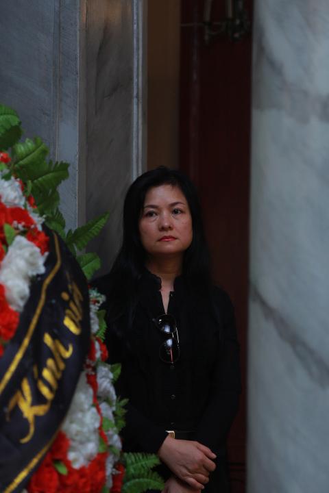 Vợ con khóc lặng trong lễ viếng nghệ sĩ Hán Văn Tình - 24