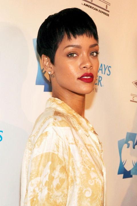 """15 kiểu tóc ấn tượng cộp mác """"Rihanna"""" - 8"""