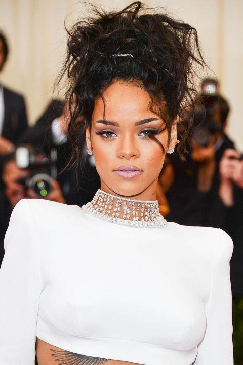 """15 kiểu tóc ấn tượng cộp mác """"Rihanna"""" - 11"""