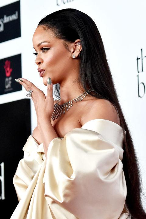 """15 kiểu tóc ấn tượng cộp mác """"Rihanna"""" - 14"""
