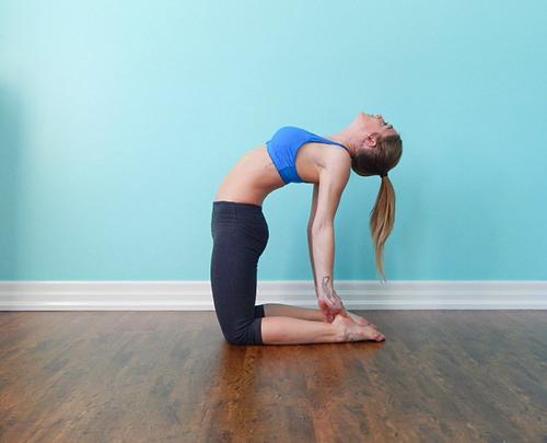 4 bài tập thể dục mỗi sáng để vòng 1 căng tròn, săn chắc - 1