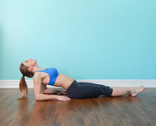 4 bài tập thể dục mỗi sáng để vòng 1 căng tròn, săn chắc - 4