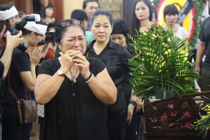 Vợ con khóc lặng trong lễ viếng nghệ sĩ Hán Văn Tình - 5