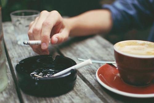 7 thói quen ăn uống tàn phá gan cần loại bỏ sớm - 1
