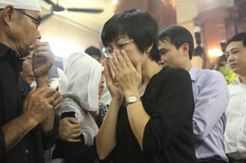 Vợ con khóc lặng trong lễ viếng nghệ sĩ Hán Văn Tình - 11