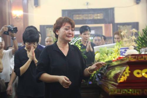 Công Lý khóc không ngừng tại đám tang NSƯT Hán Văn Tình - 3