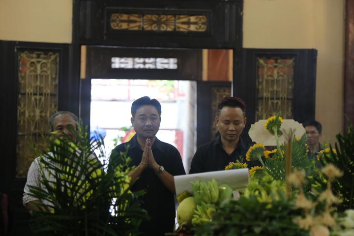 Vợ con khóc lặng trong lễ viếng nghệ sĩ Hán Văn Tình - 12