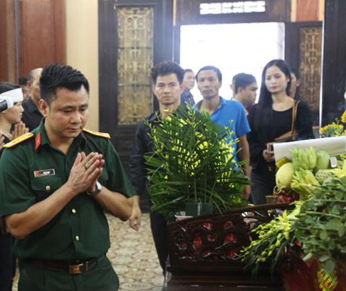 Vợ con khóc lặng trong lễ viếng nghệ sĩ Hán Văn Tình - 13