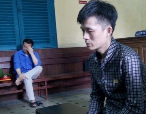 Khóc lóc thảm thiết xin cho kẻ giết con mình thoát án tử - 1