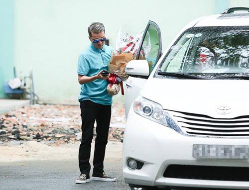Minh Thuận khóc nhiều khi nhận ra Mr Đàm đến thăm - 1