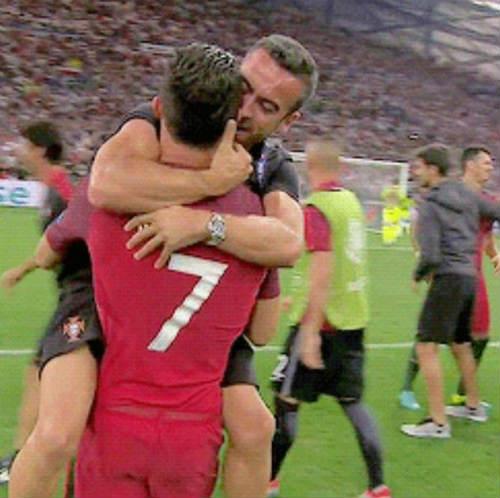 Bí ẩn người đàn ông sau thành công của Ronaldo - 1