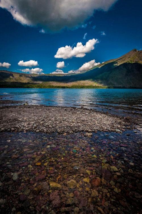 Hồ nước có đá cuội đẹp như tranh ai tới cũng ngất ngây - 5