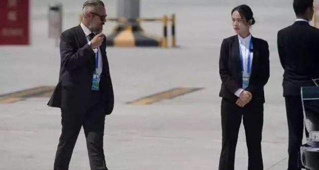 """Nữ vệ sĩ tại hội nghị G20 """"nổi như cồn"""" vì quá xinh đẹp - 1"""
