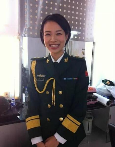 """Nữ vệ sĩ tại hội nghị G20 """"nổi như cồn"""" vì quá xinh đẹp - 4"""