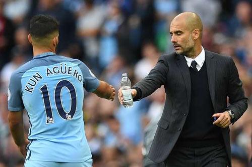 Derby Manchester: Man City mất Aguero, nửa lo nửa mừng - 1