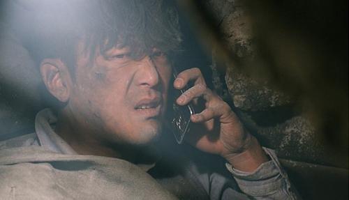 """Phim thảm họa sập hầm khiến khán giả Hàn """"đổ xô"""" tới rạp - 4"""