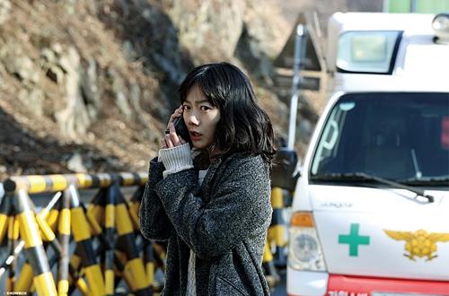 """Phim thảm họa sập hầm khiến khán giả Hàn """"đổ xô"""" tới rạp - 5"""