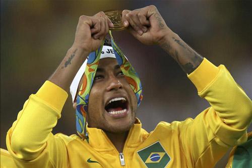 "Neymar chỉ kém ""Rô béo"" ở tuổi 24 - 2"