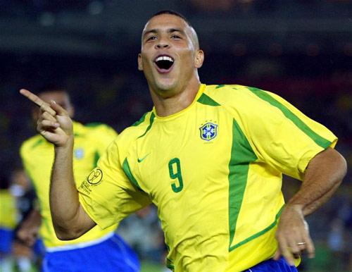"Neymar chỉ kém ""Rô béo"" ở tuổi 24 - 3"