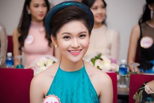 Á hậu Thùy Dung hé lộ sự cố bất ngờ ở Hoa hậu VN 2016 - 2