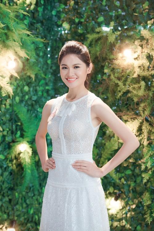 Á hậu Thùy Dung hé lộ sự cố bất ngờ ở Hoa hậu VN 2016 - 3