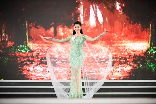 Á hậu Thùy Dung hé lộ sự cố bất ngờ ở Hoa hậu VN 2016 - 5