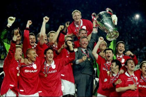 Derby nóng NHA: Khi MU ăn 3, Man City đá giải hạng 3 - 1