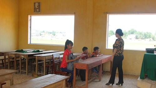 Hơn ngàn trẻ không đến trường ở vùng ảnh hưởng Formosa: Sợ làng đánh? - 2