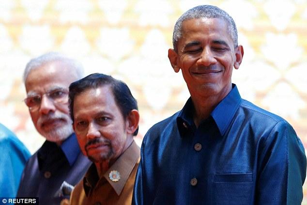 Obama gặp Tổng thống Philippines dù bị xúc phạm - 2