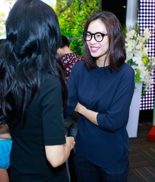 Ngô Thanh Vân giản dị ủng hộ vợ chồng Trần Anh Hùng - 2