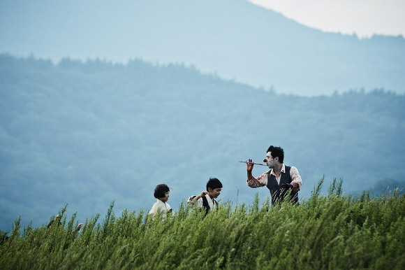 """Day dứt với bộ phim """"sởn da gà"""" của vua màn ảnh Hàn - 1"""