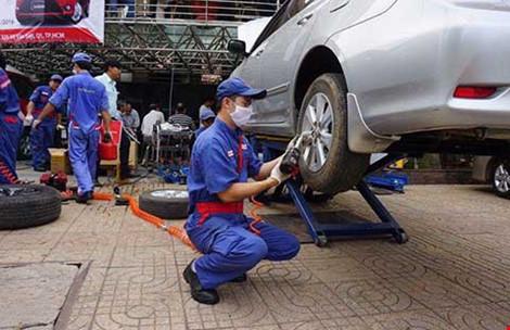 Ngành ô tô Việt đã sản xuất được gương, kính... - 1