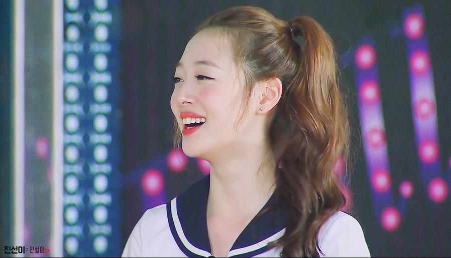 """Loạt ảnh """"trái đào"""" nhạy cảm gây tranh cãi của mỹ nhân Hàn - 1"""