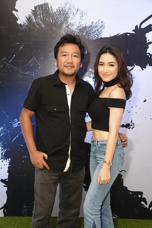 """Hòa Minzy sexy đóng phim cùng """"cô gái trăm triệu"""" - 1"""