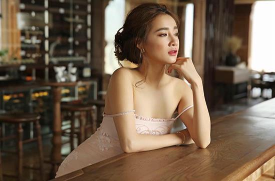 Bạn gái Trường Giang - Trấn Thành ngày càng mặc bạo - 2