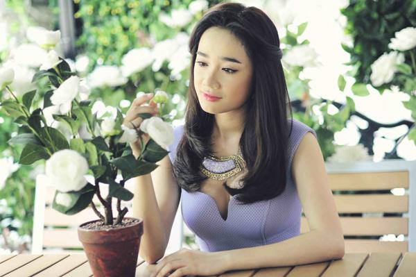 Bạn gái Trường Giang - Trấn Thành ngày càng mặc bạo - 5