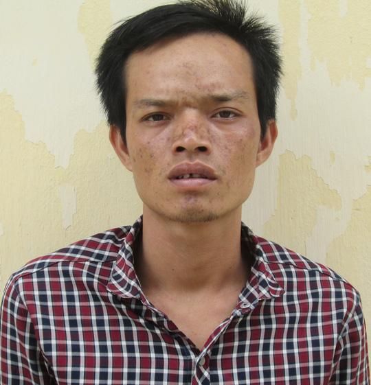Bị cướp giật vì ngồi xe máy nghe điện thoại - 1