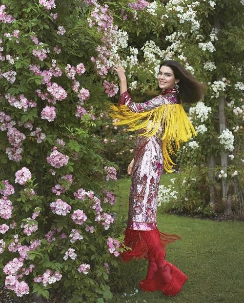 Mặc dư luận, Kendall Jenner tiếp tục lên bìa Vogue - 4
