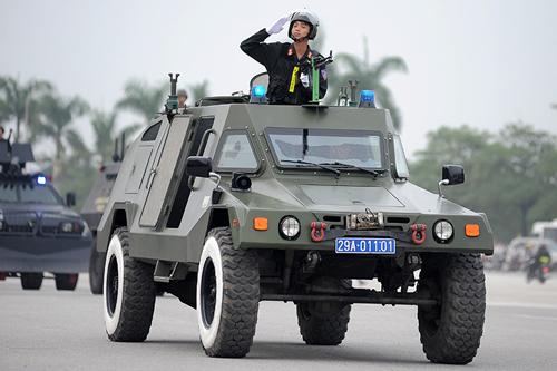 """Ngắm dàn xe chống đạn """"khủng"""" của lực lượng CSCĐ - 5"""