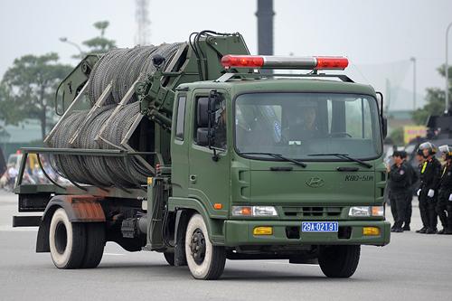 """Ngắm dàn xe chống đạn """"khủng"""" của lực lượng CSCĐ - 7"""