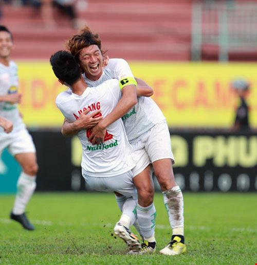 Những kẻ phá bĩnh cuộc đua vô địch V-League 2016 - 2