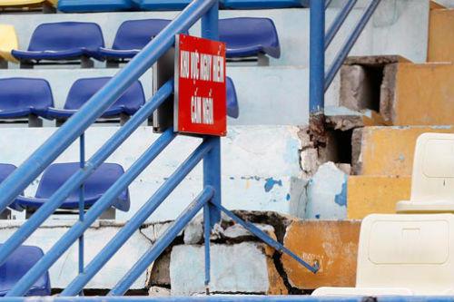 Lo an toàn cho khán giả xem U19 - 1