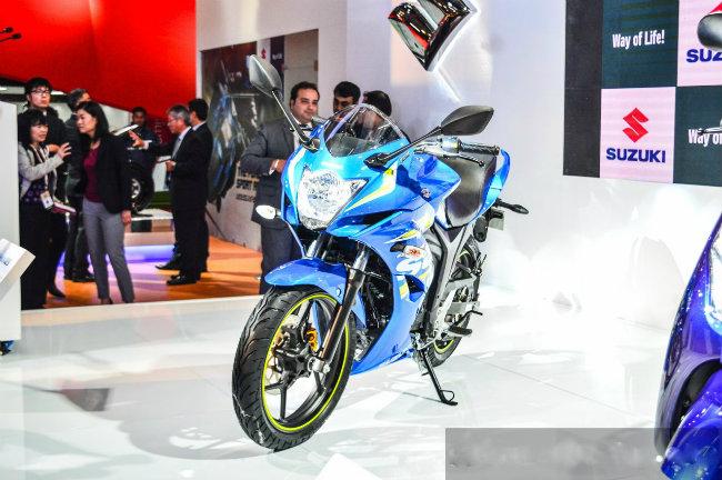 Hệ thống FI thể hiện rõ sự nâng cấp của Suzuki đối với Gixxer SF, cùng với sự kiện cho ra mắt các ấn phẩm đặc biệt Gixxer SP vừa qua.
