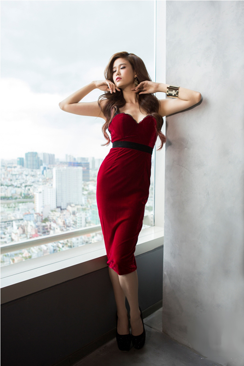 Trương Quỳnh Anh sexy, hở bạo sau khi sinh quý tử - 4