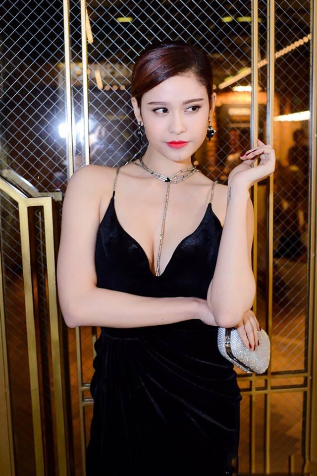 Trương Quỳnh Anh sexy, hở bạo sau khi sinh quý tử - 10