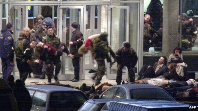 Vụ bắt giữ gần 1.000 con tin bi thảm ở rạp hát Nga - 3