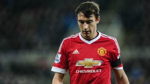 MU: Fellaini hứa trả ơn Mourinho, Ibra đảm bảo có cúp - 2